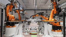 Bicycles and cars on the same plant? High speed camera from SICK verifies components in the KUKA SmartProduction Center