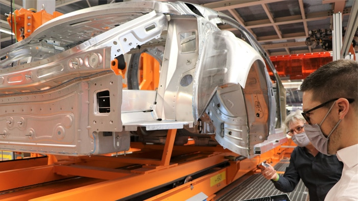 Every Audi manufactured at this location immediately receives an RFID tag at the first manufacturing step: body construction.