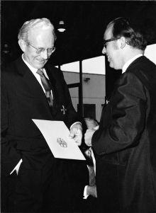 Erwin Sick erh?lt das Bundesverdienstkreuz